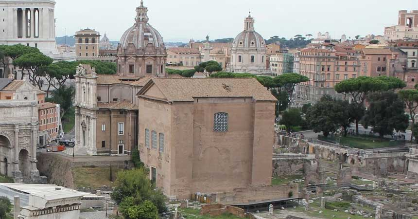 Fall in love with these 5 well preserved Roman Buildings