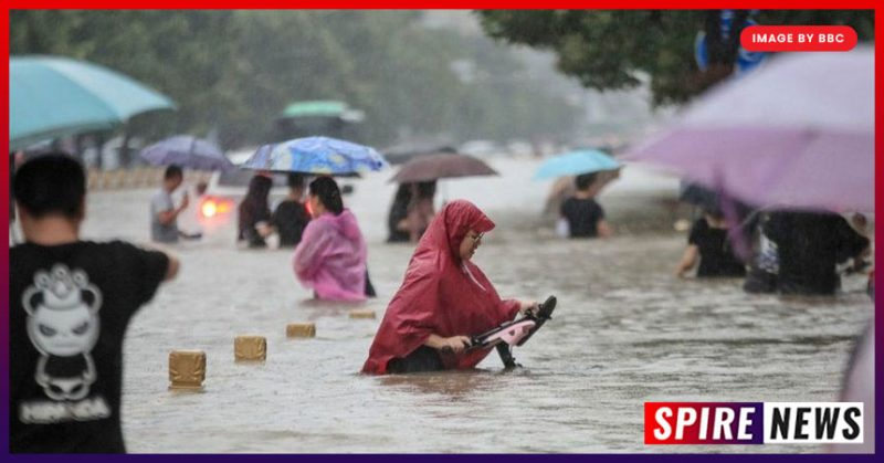 Flood in China: 12 people dead, cars flooded by heaviest rain!